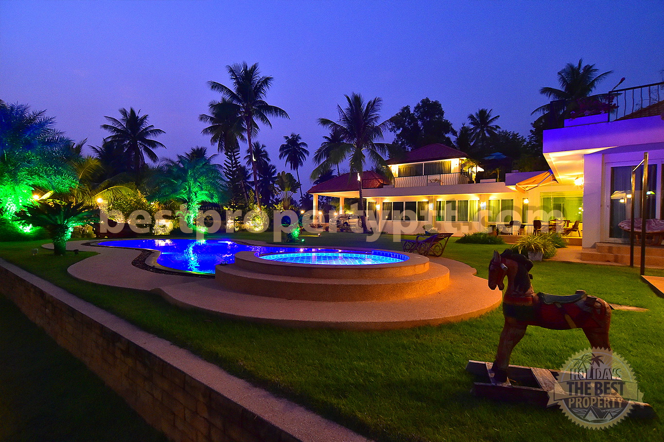 Private Villa with Swimming Pool on the plot of 1,3 Rai in Huay-Yai